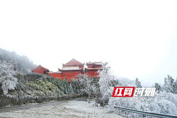 双牌阳明山邀你来赏入冬初雪美景