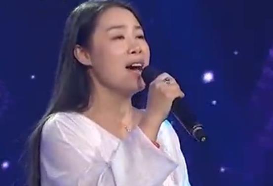 《红色恋人》李雨儿现场演唱